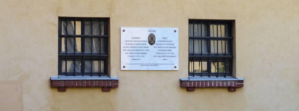 Zamontowana tablica polskich legionistów w Sygiecie Marmaroskim